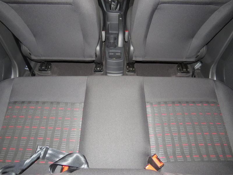 Ford Figo 1.5 Tivct Ambiente 5-Door Image 14